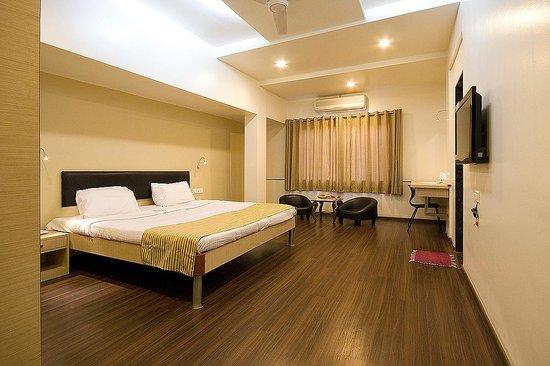 Hotel Sapna : SUPER DELUXE ROOM