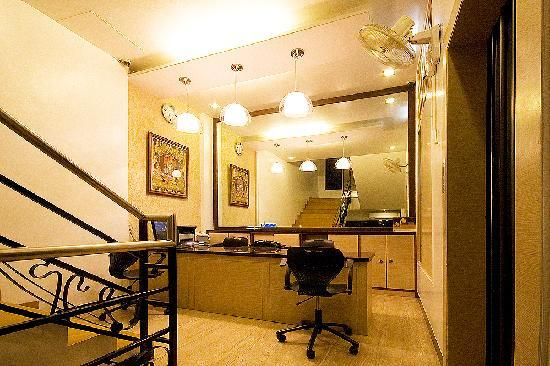 Hotel Sapna : RECEPTION