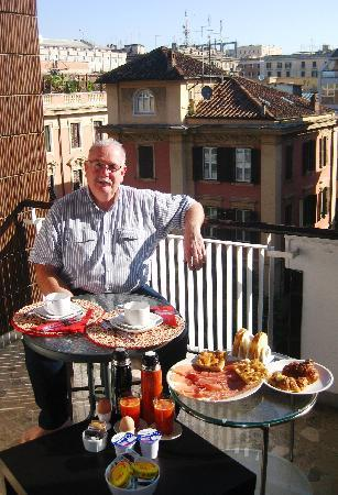 B&B Santa Croce: Breakfast on the Balcony