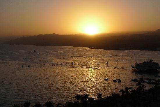 Dan Eilat: Sunset from our room