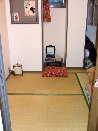 J-Hoppers Kyoto Guesthouse: my cozy room
