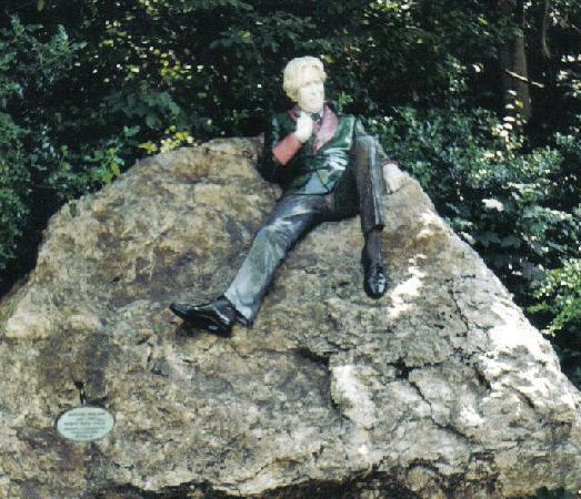 دبلن, أيرلندا: Statue of Oscar Wilde in Dublin