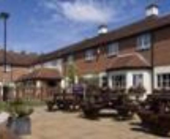 Good Night Inns Berkshire Arms Hotel: Premier Inn Newbury / Thatcham Thumbnail