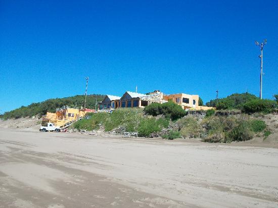 Cabanas del Pinar : Necochea Beach, 10 minute walk from Cabanas