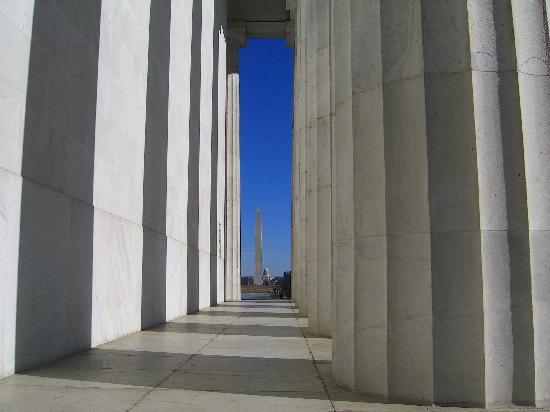 Lincoln Memorial columns and wall framing Washington Monument and ...