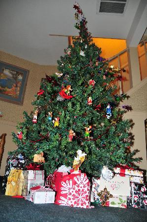 Saddleback Inn: Merry Christmas 2010
