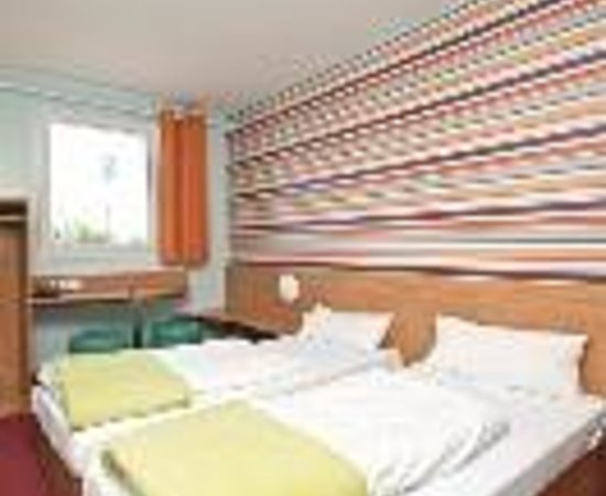 b b hotel koln frechen thumbnail photo de b b hotel koeln frechen frechen tripadvisor. Black Bedroom Furniture Sets. Home Design Ideas