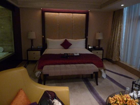 Fairmont Beijing: a view of our bed room!!