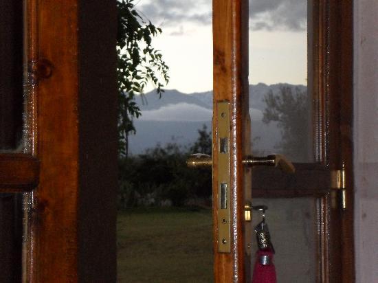 Dar Tifawine: La vue sur le Mont Atlas par la terrasse