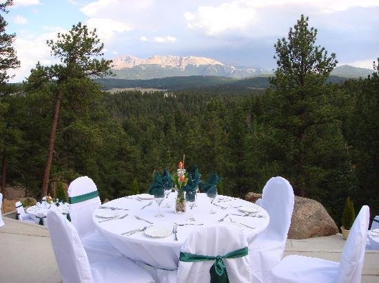 Pikes Peak Paradise Bed and Breakfast: Pikes Peak Paradise - Wedding View