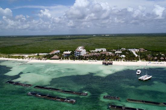 El Dorado Maroma, by Karisma: View of hotel from parasailing