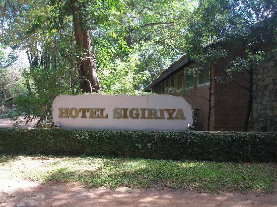 Hotel Sigiriya: Decent Hotel