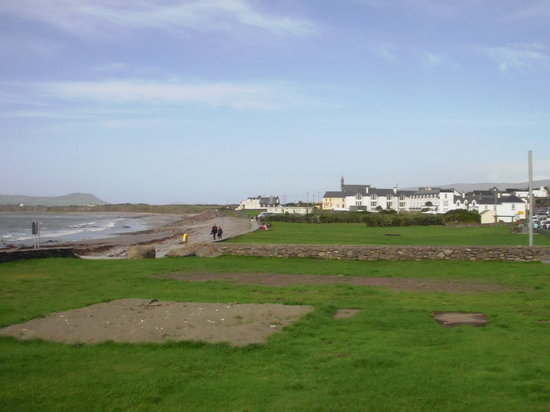 Wild Kerry Day Tour with O'Connor Autotours: Little village in the ring