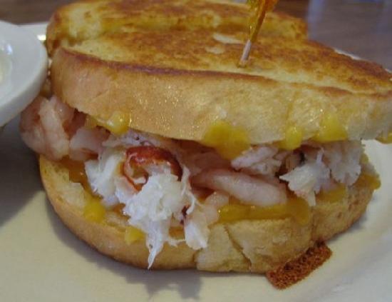 Fisherman's Korner Restaurant: Crab and Shrimp Sandwich