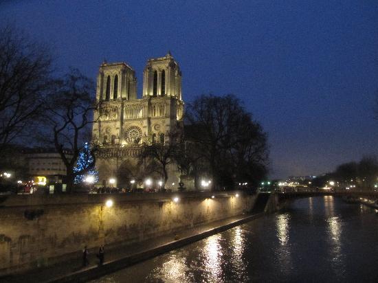Paryż, Francja: Notre dame