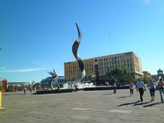 Guadalajara, Mexico: 至る所にアートがある!グアダラハラ