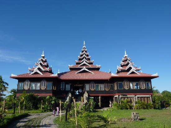 Mrauk Oo Princess Resort : Main Building