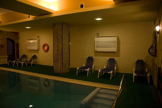 Soreda Hotel: The indoor pool