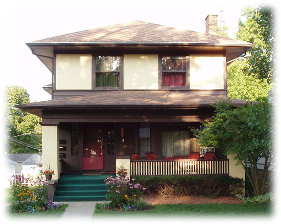 The Westside Guest House: In a quiet residential are near Earlham, fairgrounds.