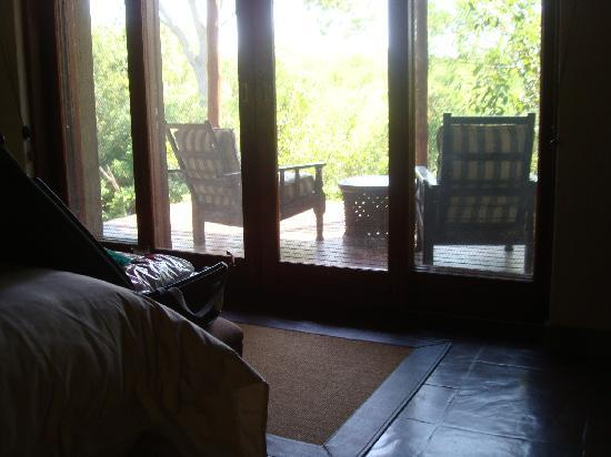 Waterbuck Game Lodge: Room with a deck