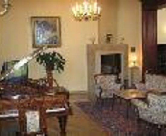Hotel Royal: Hotel Royal Thumbnail