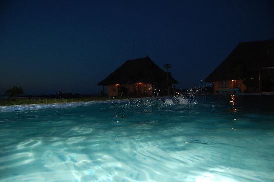 Maruhubi Beach Villas: Pool