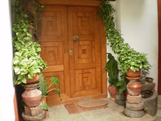Vatika Guest Home: The entry door