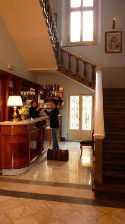 Hotel Consigli: Reception