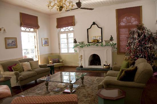 Glenburn Tea Estate: One of the living rooms