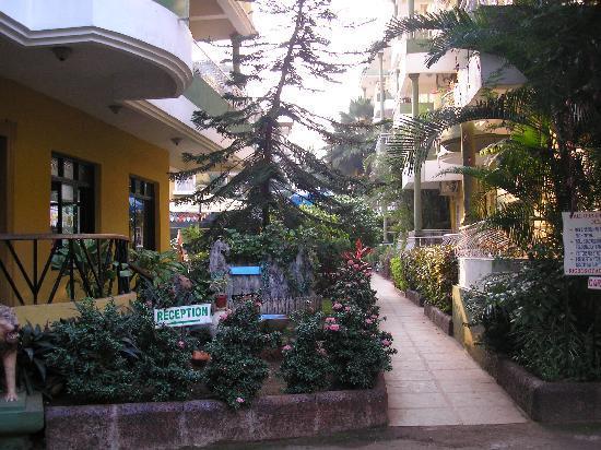 Nizmar Resort: Entrance to Hotel