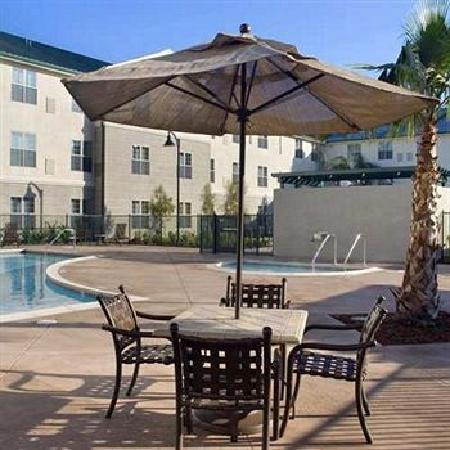 Homewood Suites by Hilton Sacramento Airport-Natomas: Swimming Pool