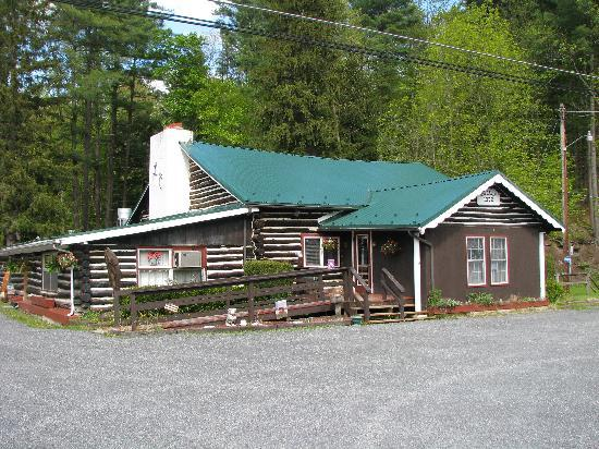 Wellsboro, Pensilvanya: The Log Cabin Inn