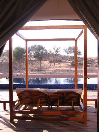Banyan Tree Al Wadi: sundeck, tented pool villa