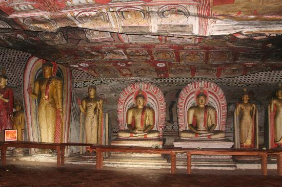 Dambulla, Sri Lanka: Inside the rock caves
