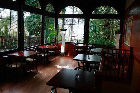 Uhu Villa Budapest: breakfast room