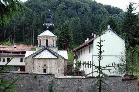 Loznica, Serbia: Kloster Tronosha