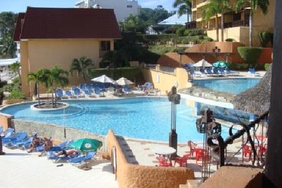Superior Dive: Sosua Bay Hotel poolside