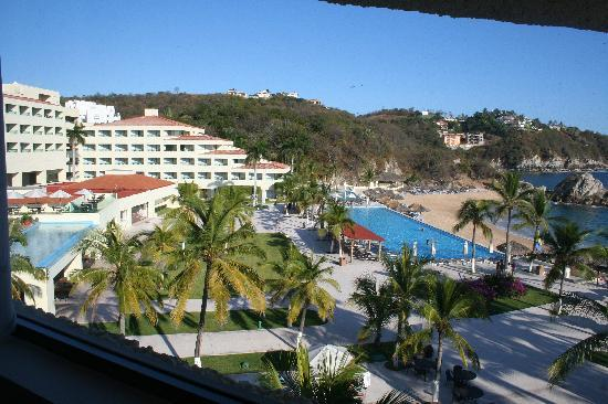 Dreams Huatulco Resort & Spa: Our view out of Junior Suite with Ocean view