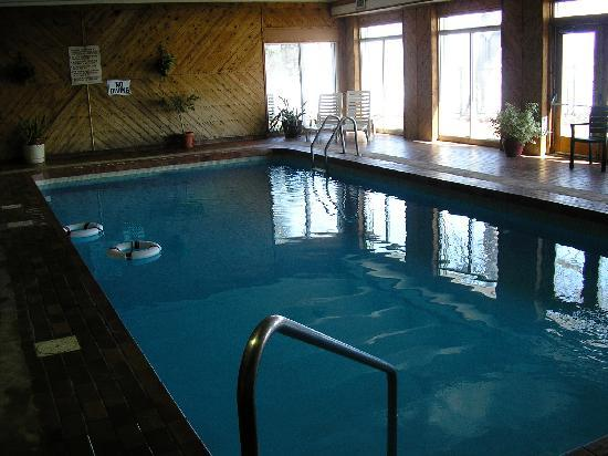 Elmhirst's Resort: Elmhirst indoor pool