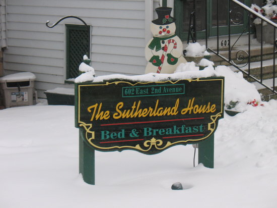 Sutherland House Bed and Breakfast: The sign