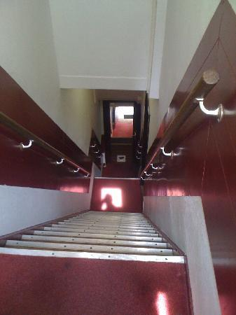 Hotel Ben: Steep stairs!