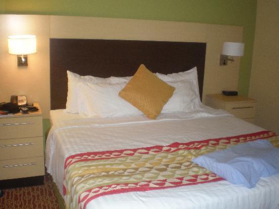 TownePlace Suites Huntsville: Bedroom