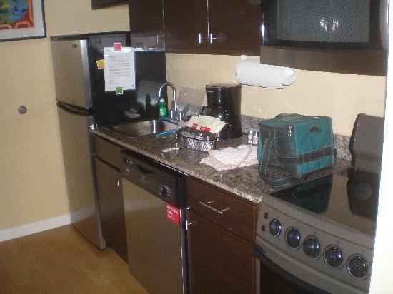 TownePlace Suites Huntsville : Kitchen Appliances