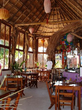 Mahahual, Messico: Inside restaurant of Nacional Beach Club