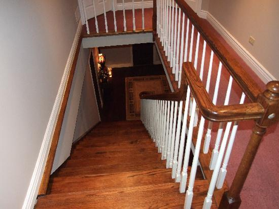 Duneland Beach Inn : the beautiful staircase