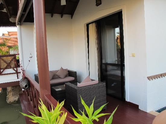 Suites and Sweet Resort Angkor: vue sur la terrasse de la chambre