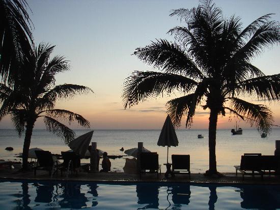Lanta Palace Resort & Beach Club: piscine2