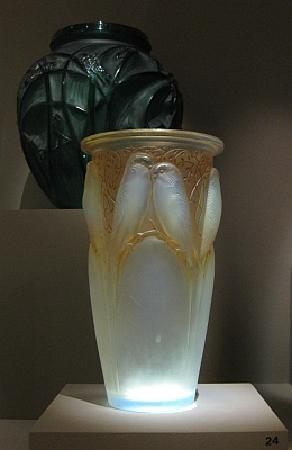 Lalique Vase With Parakeets Picture Of Chazen Museum Of Art