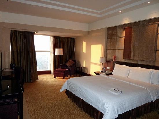 Sheraton Dongguan Hotel: ゆったりとした部屋