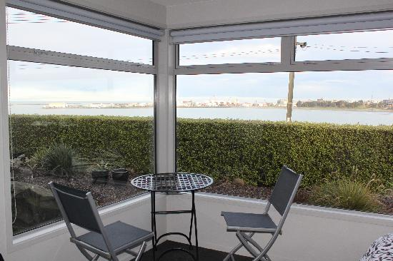 Pleasant View Bed & Breakfast Timaru: patio